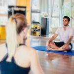 Gli uomini e lo yoga