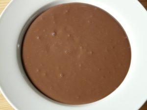 Budino al cacao e frutta. Un classico rivisitato